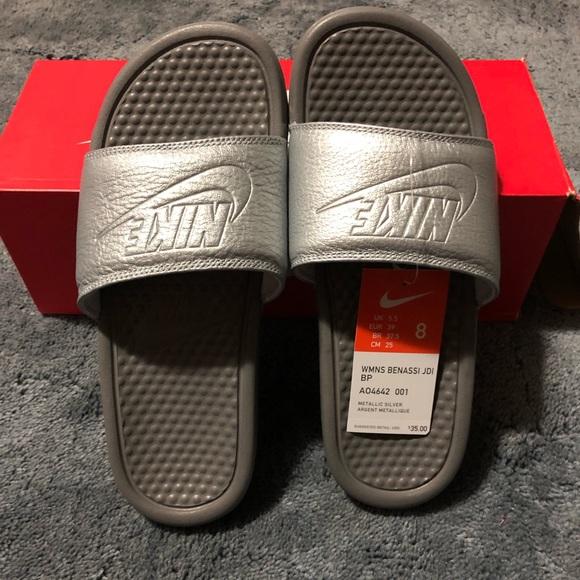 7c2cb363ee1f Nike Benassi JDI Women s Slides